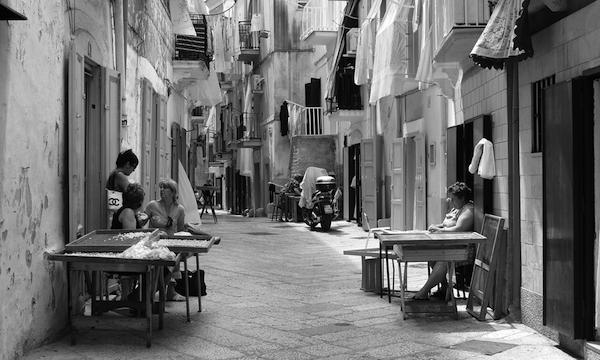 BARI-La-via-delle-orecchiette-a231911381