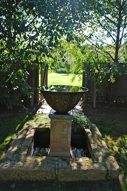 Red Feather Garden Birdbath 250x374
