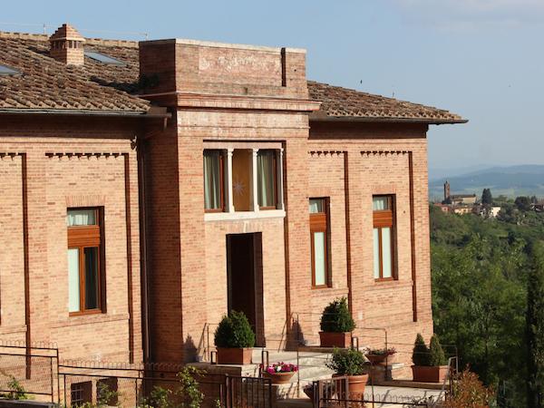 Villa del Sole Exterior Front 600x450