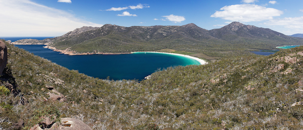 Wineglass_Bay_from_Lookout