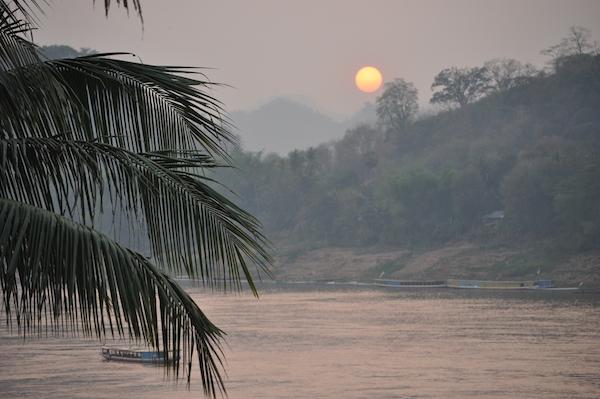 Laos Mekong Sunset 600x399