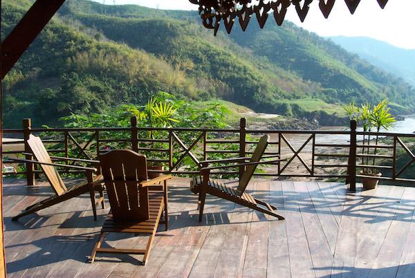 LuangSay Lodge Deck 600x400