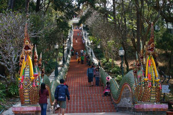 Wat Pra That Staircase 600x400