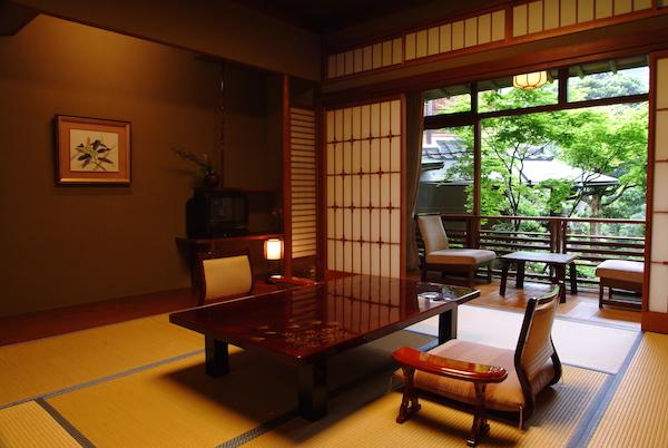 nishi-tatami-room-600x400