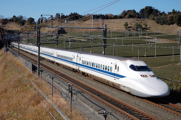shinkansen-bullet-train-600x400