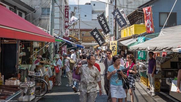 tsukiji-outer-market-600x400