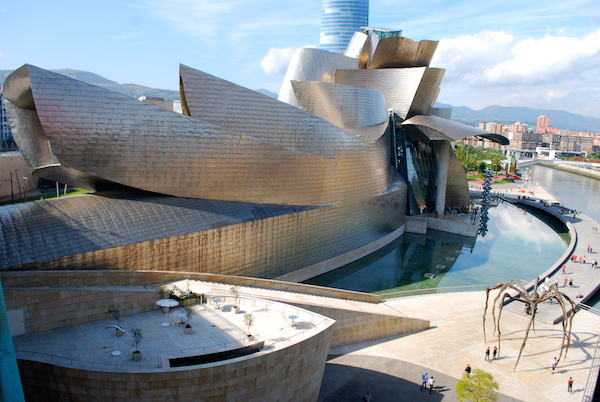 a narration of an experience at guggenheim museum Contemporary features demarche: from the architectural thought  with guggenheim museum bilbao  new sense of narration on story of the conceptual design,.