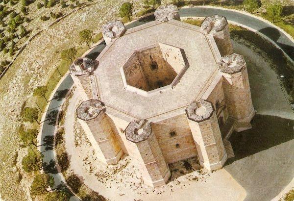 Castel del Monte Aerial 600x410