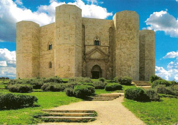 Castel del Monte Gate 600x422