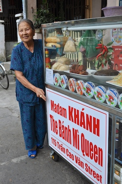 Walking Tour Banh Mie Queen 250x335