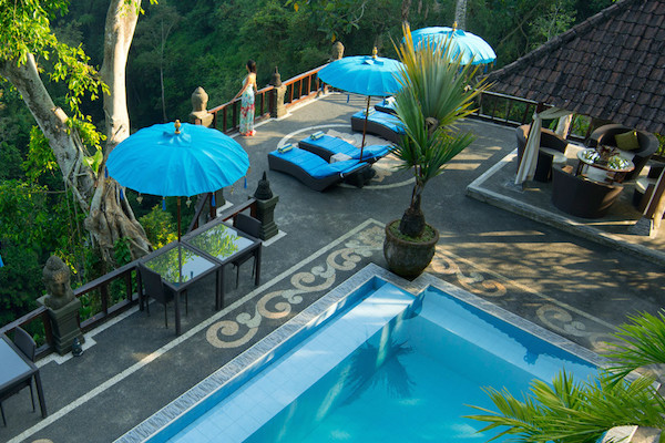 Villa-Kalisat-Pool 600x400
